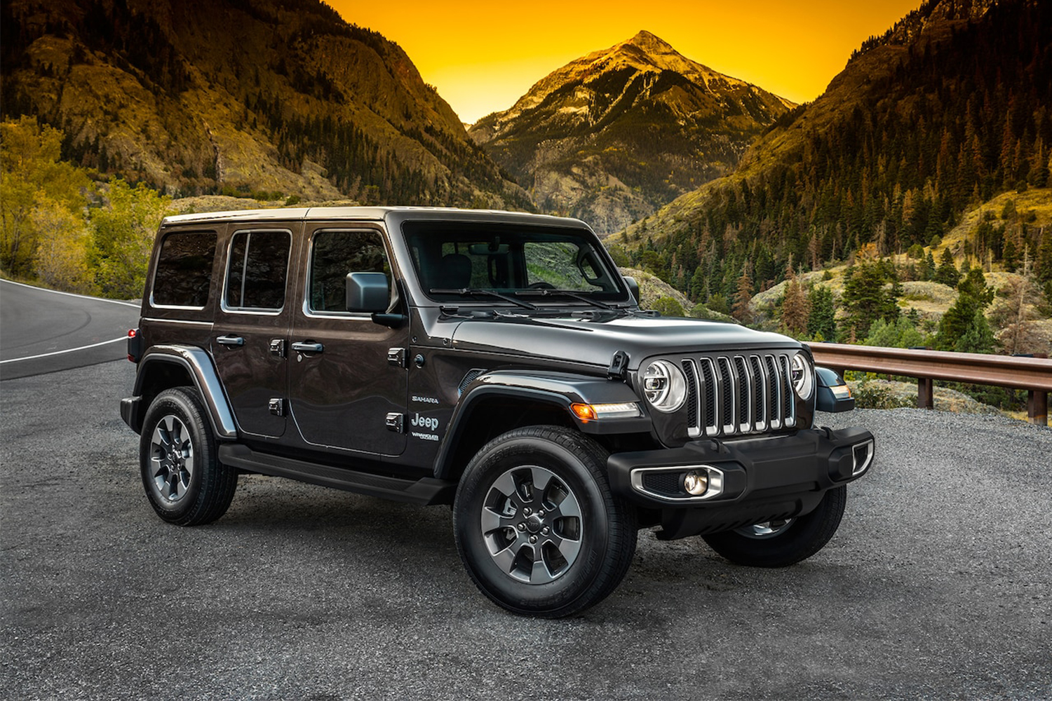 Dealerships across the U.S. are slashing prices on 2018 Jeep Wranglers.