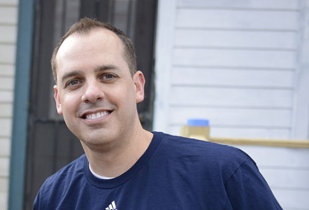 File photo, NBA coach Frank Vogel, 2014. (Photo credit: U.S. Coast Guard, Petty Officer 2nd Class William Benson)