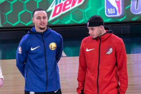 Steph Curry and Seth Curry at the 2019 All-Star weekend. (Jeff Hahne/Getty)