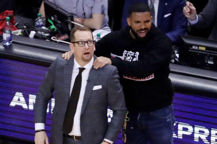 Drake massages Toronto Raptors head coach Nick Nurse. (Steve Russell/Toronto Star via Getty)