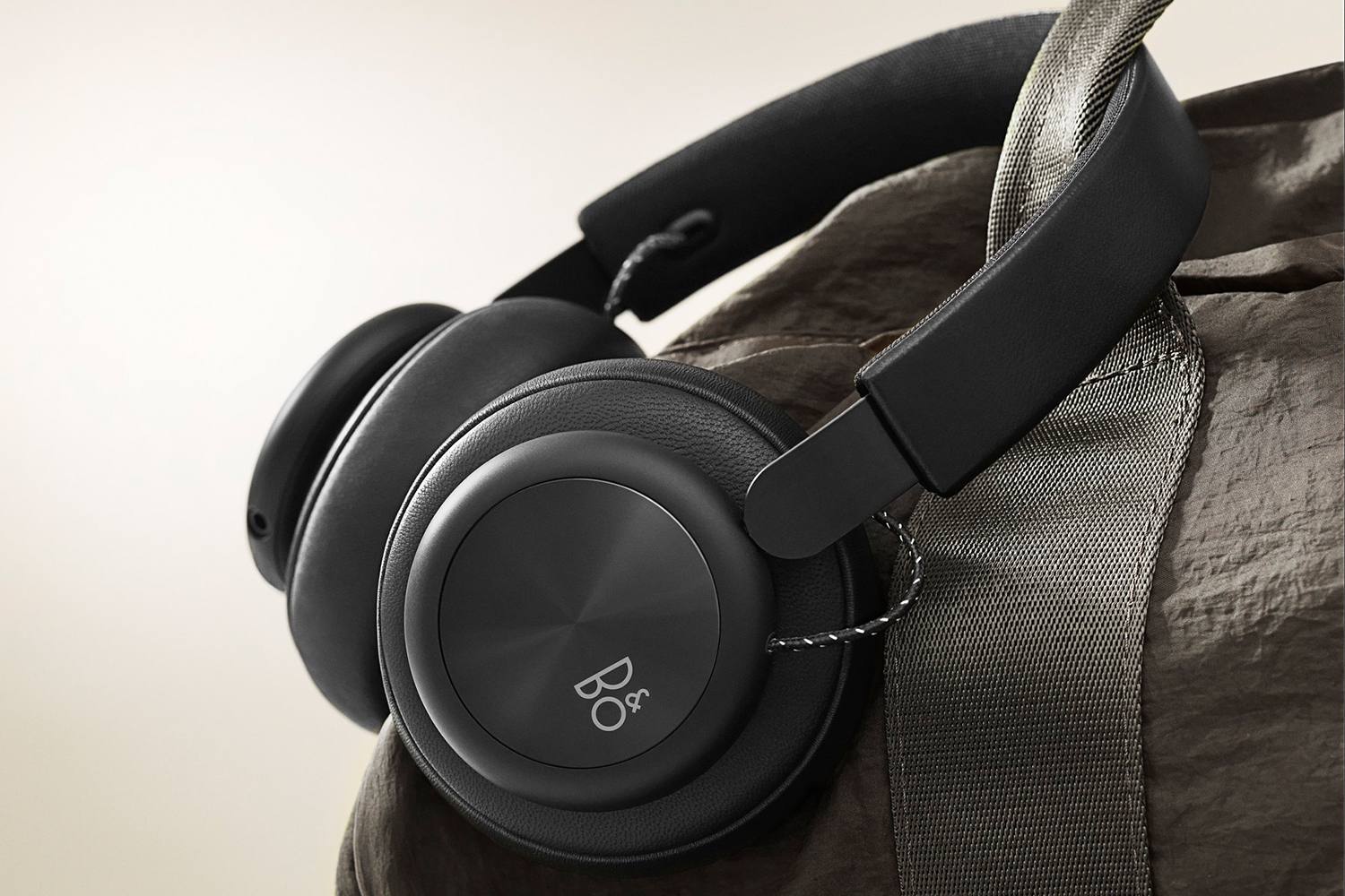 Take $110 off Bang & Olufsen Beoplay H4 wireless headphones.