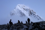 An American Died on Mount Everest While Waiting to Descend