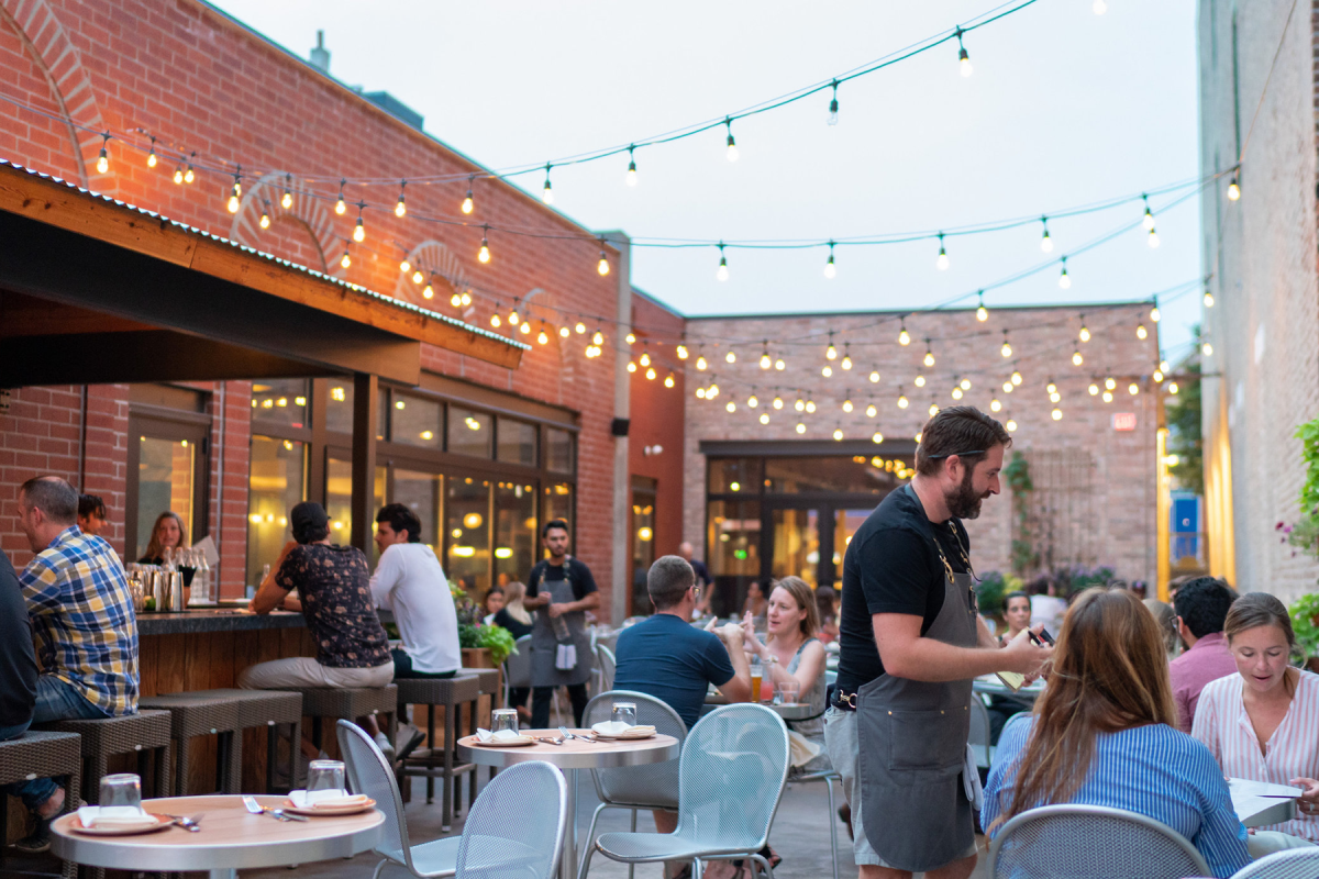A Compendium Of Chicago S Best New Patio And Rooftop Bars