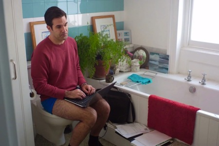 "Comedian Rob Delaney, seen here in ""Catastrophe"", is a proponent of the toilet meeting"