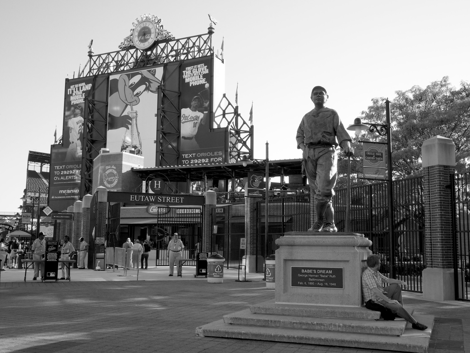 Statue of Babe Ruth