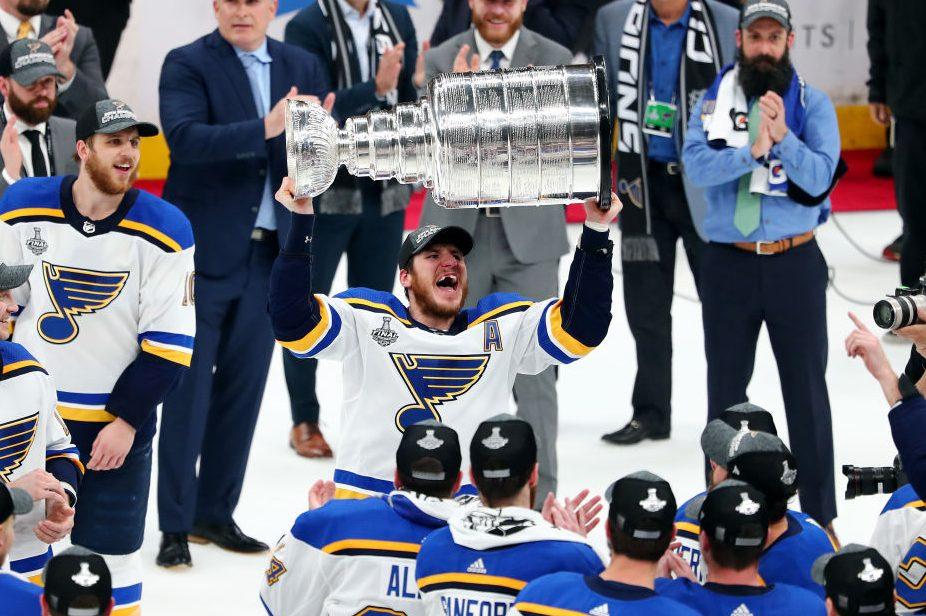 Alexander Steen #20 of the St. Louis Blues celebrates. (Adam Glanzman/Getty Images)