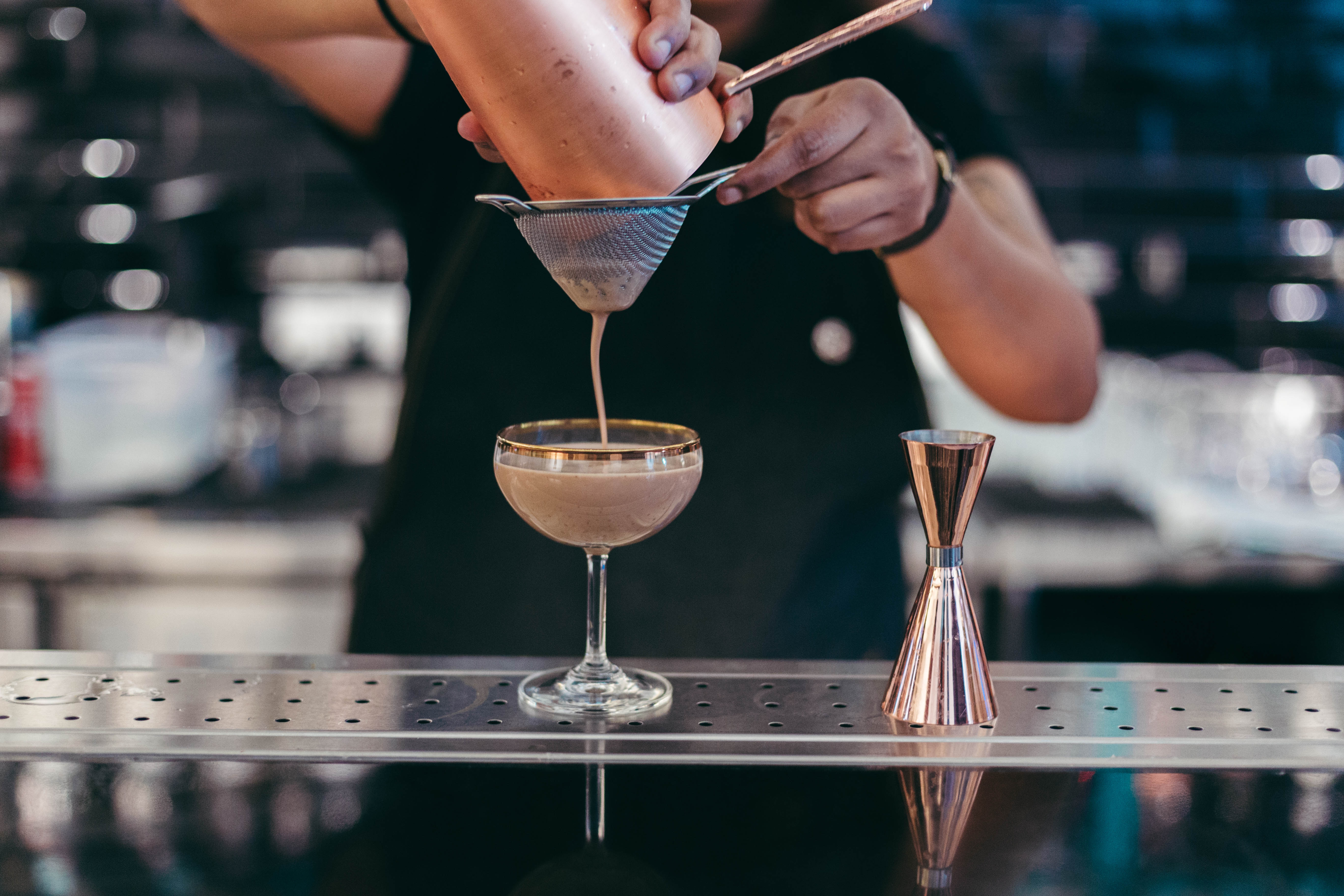 Here's Why Your Bartender Is Judging You