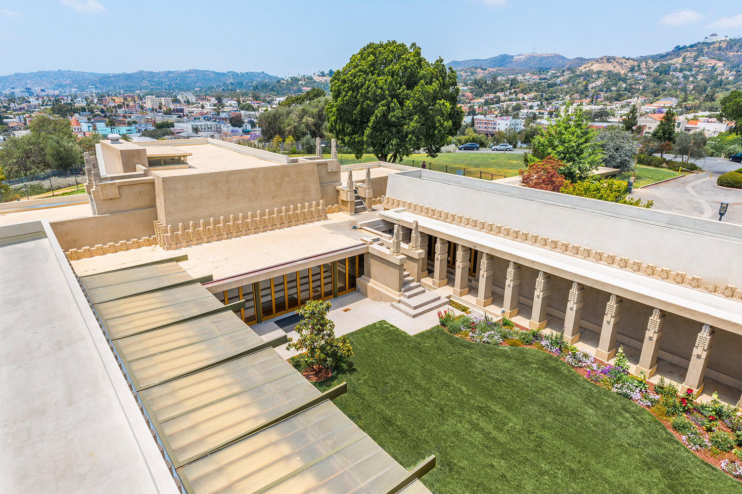 Frank Lloyd Wright Hollyhock House Tours