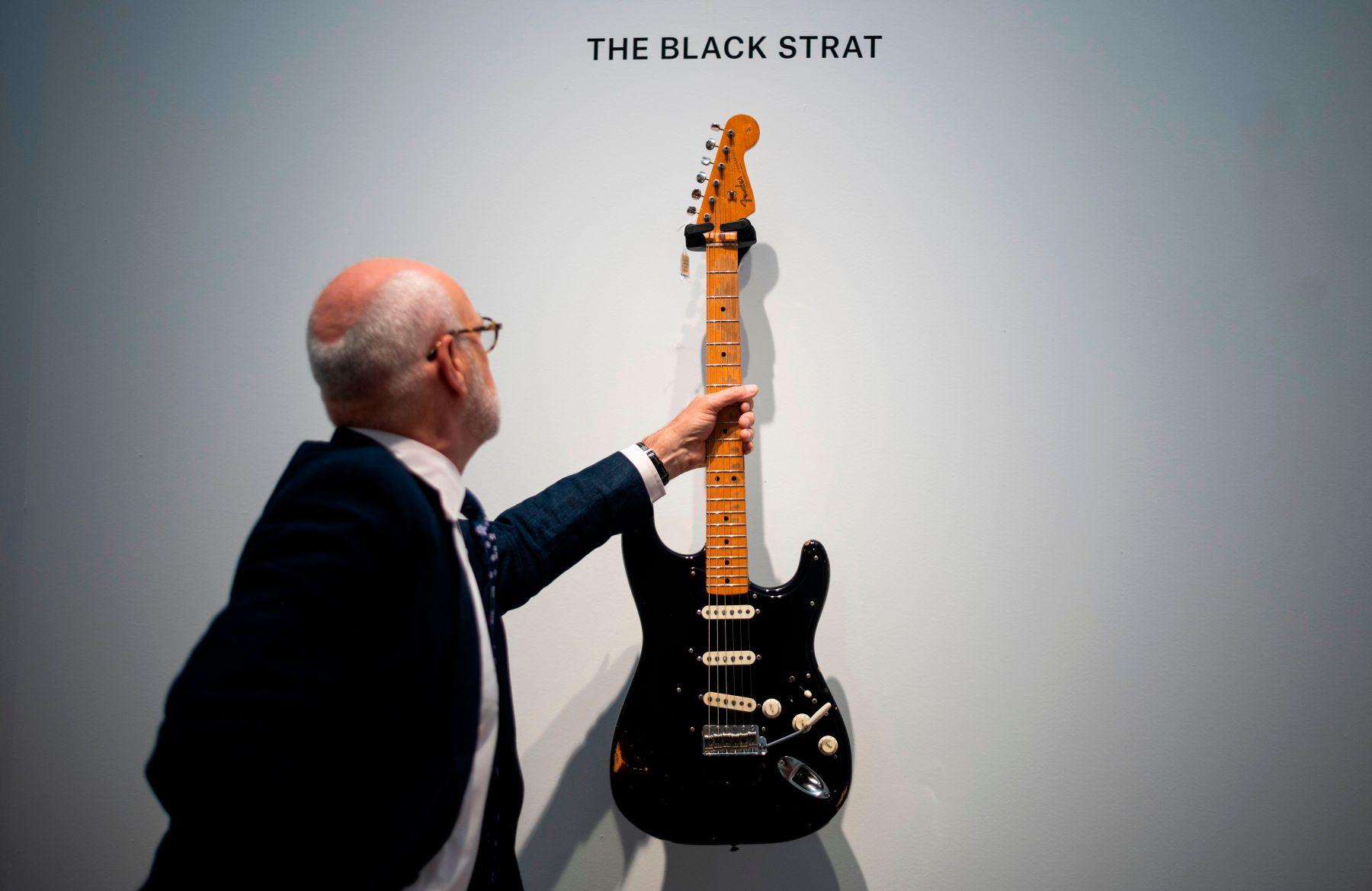 David Gilmour Black Strat guitar