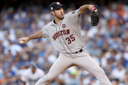Justin Verlander pitching for the Houston Astros