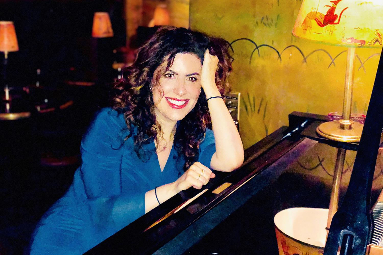 Manhattan Piano Player Secrets: Emilee Floor