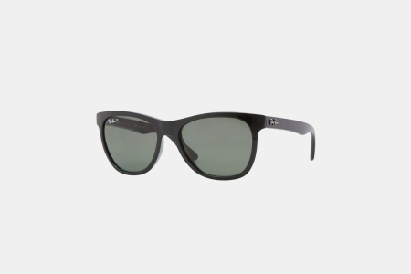 Get a Pair of Ray-Ban Wayfarers for $100 Off
