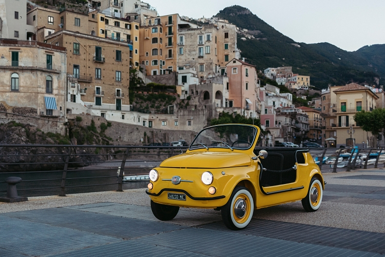 Rent an Electric Fiat 500 Jolly in Italy From Hertz and Garage Italia