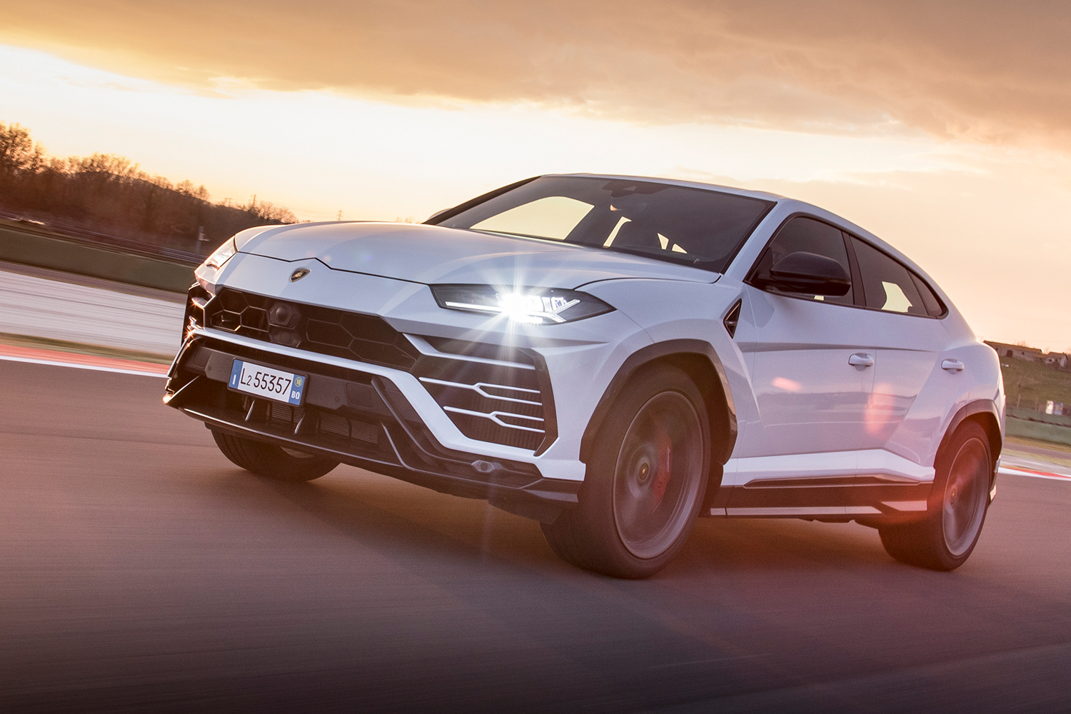 Lamborghini Considers Limiting Car and SUV Production