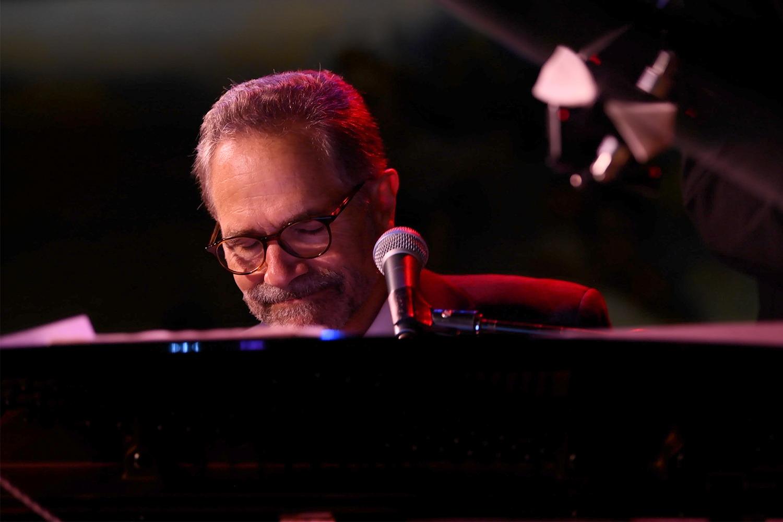 Manhattan Piano Player Secrets: Robert Mosci