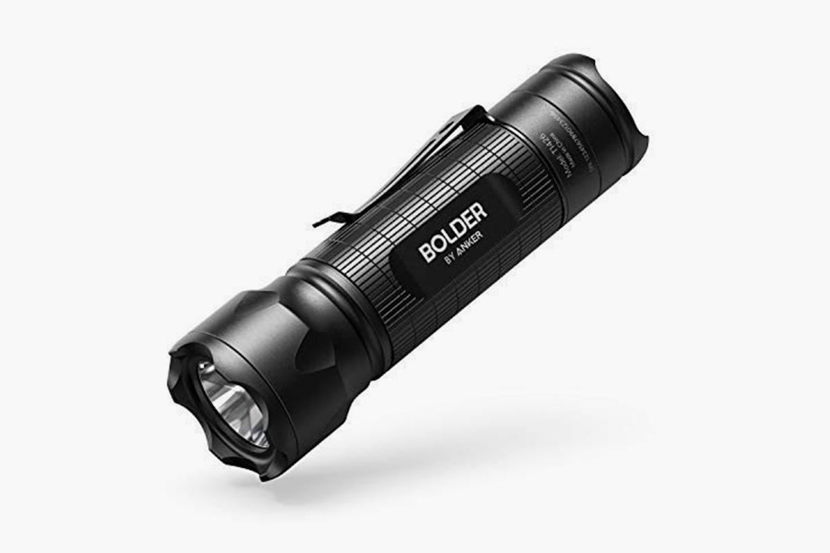 Anker LC 30 flashlight