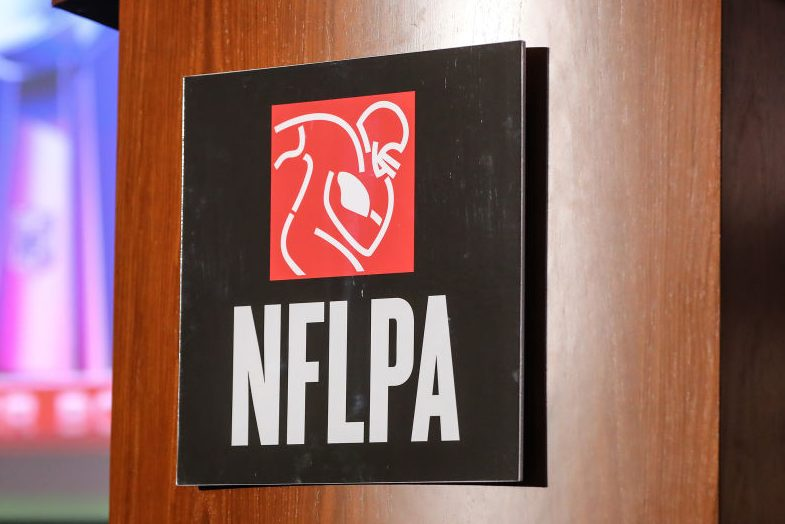 NFLPA Gives Work Stoppage Guide to Players