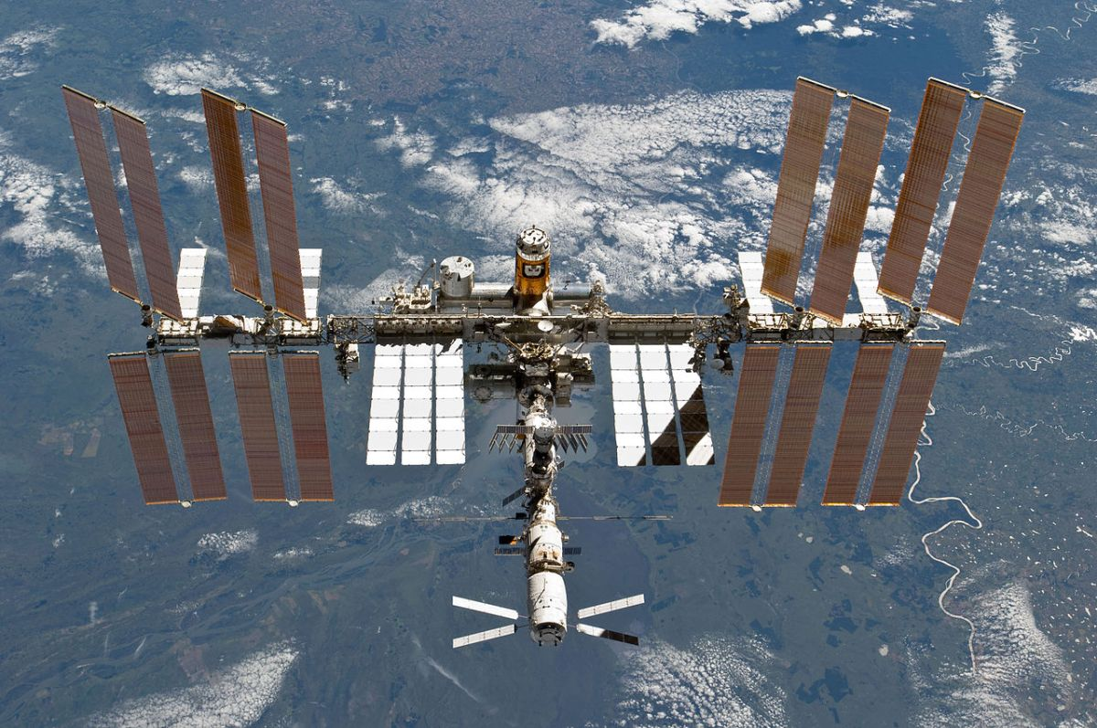 astronauts aboard the international space station - photo #12
