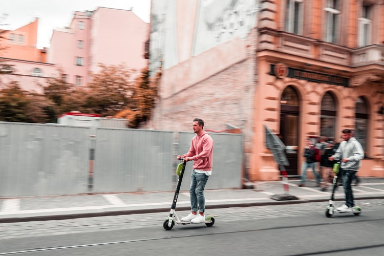 American Cities That Have E-Scooters