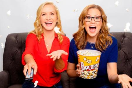 "Jenna Fischer and Angela Kinsey Announce Weekly Podcast Dedicated to ""The Office"""