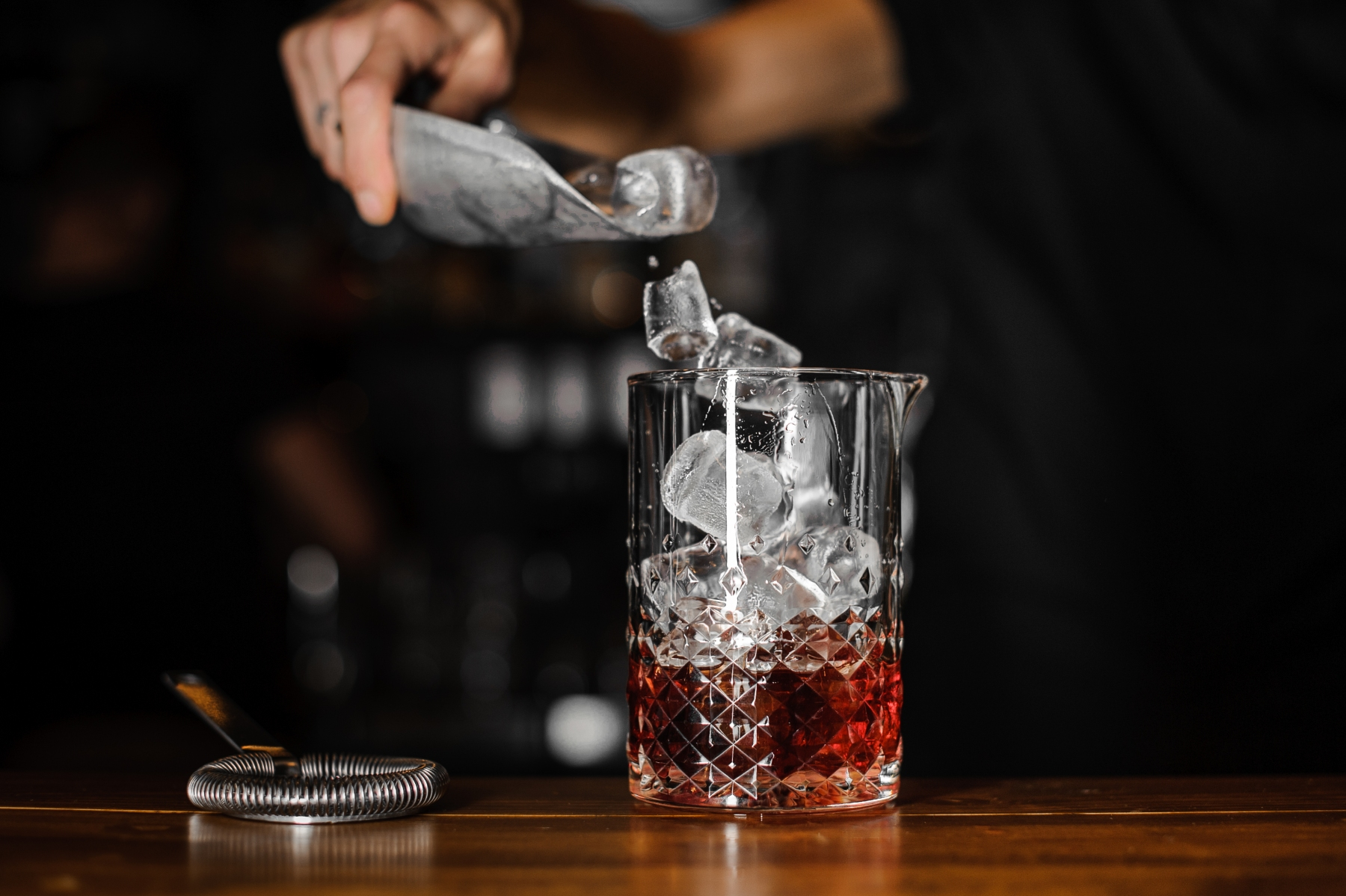 What Is the Best At-Home Ice Maker for Cocktails?