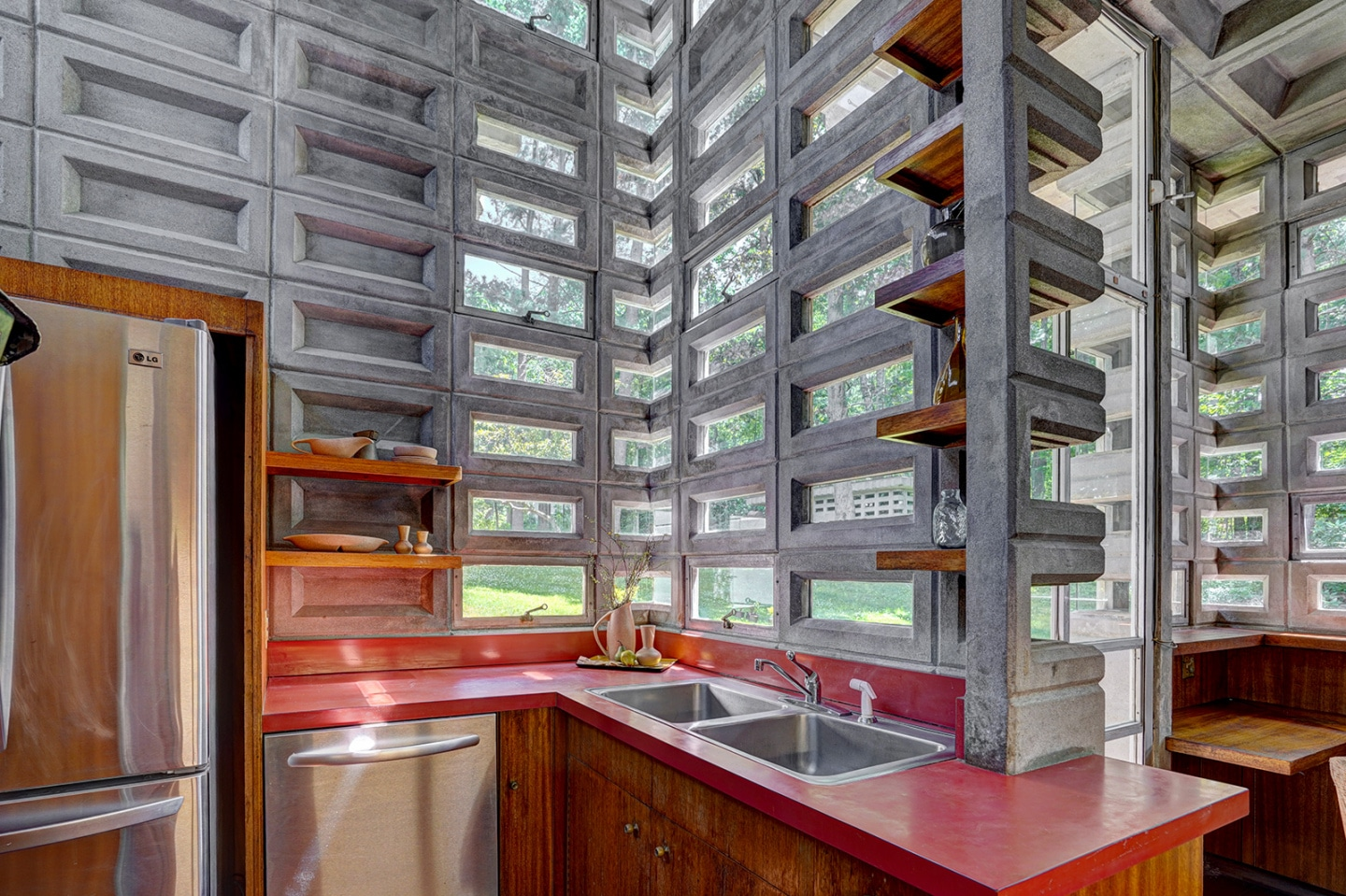 What Does It Take to Buy a Frank Lloyd Wright House?