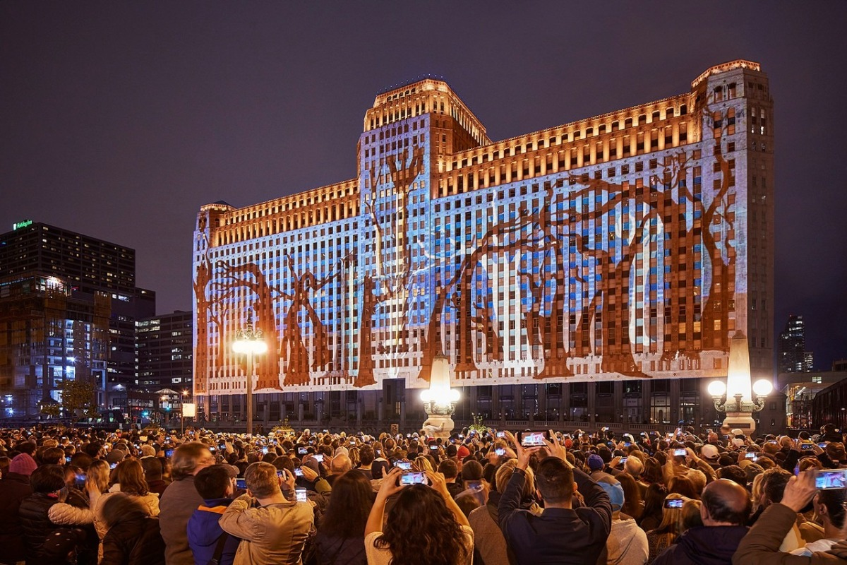 Art on theMART will unveil new projections by Charles Atlas at EXPO 2019