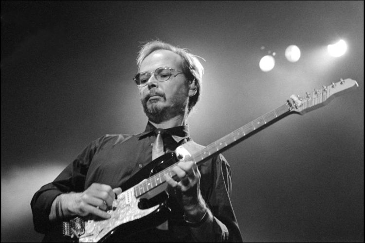 Steely Dan Co-Founder Walter Becker's Gear Collection set for Auctioned - InsideHook
