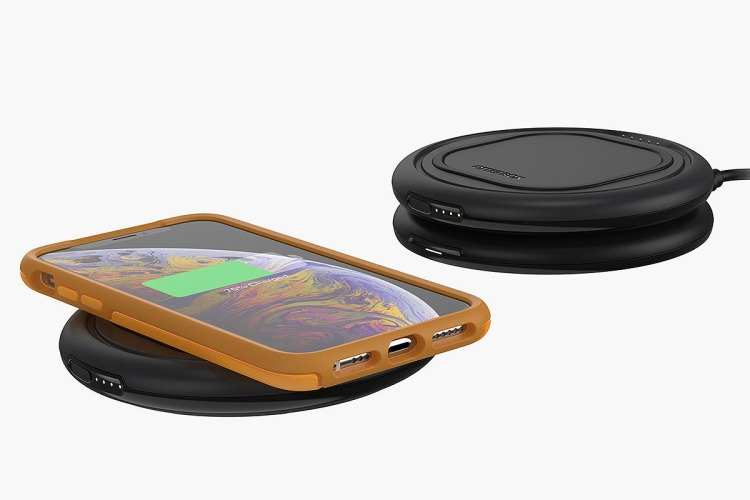 Review: Otterbox's Wireless Charger Is Great For Sharing Power - InsideHook