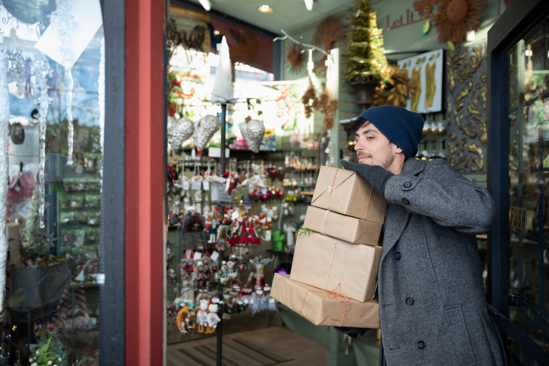 Retailers Offer Faster Delivery, Earlier Deals to Cope With Shorter Holiday Season