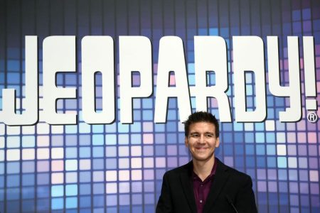 """James Holzhauer Excels in """"Jeopardy!"""" Return"""