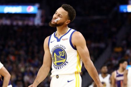 """Report: Steph Curry """"Unlikely"""" to Return to Warriors This Season"""
