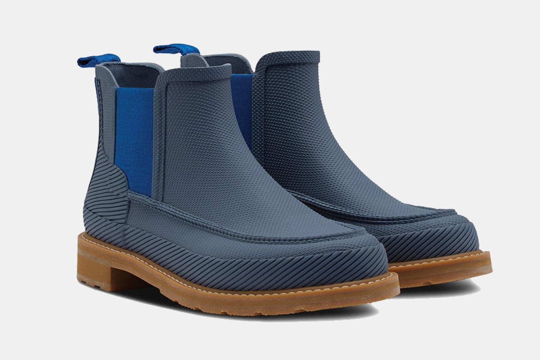 Hunter Moc Toe Waterproof Chelsea Rain Boots in Blue