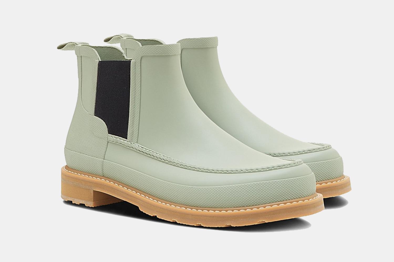 Sale on Hunter Moc Toe Waterproof Chelsea Rain Boots in Sea Grass