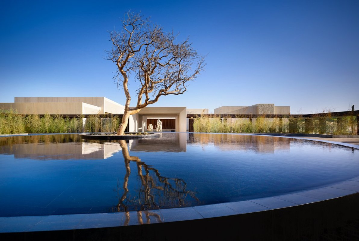 No truly elite Los Cabos property is complete without a grand entrance, and the Hotel Nobu is no different