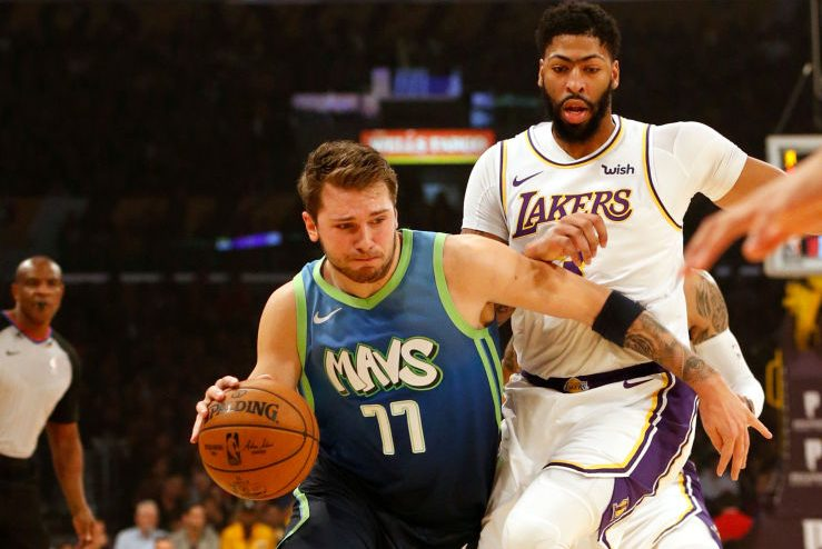 Mavericks Snap Lakers' 10-Game Win Streak Behind Luka Doncic's 27 Points