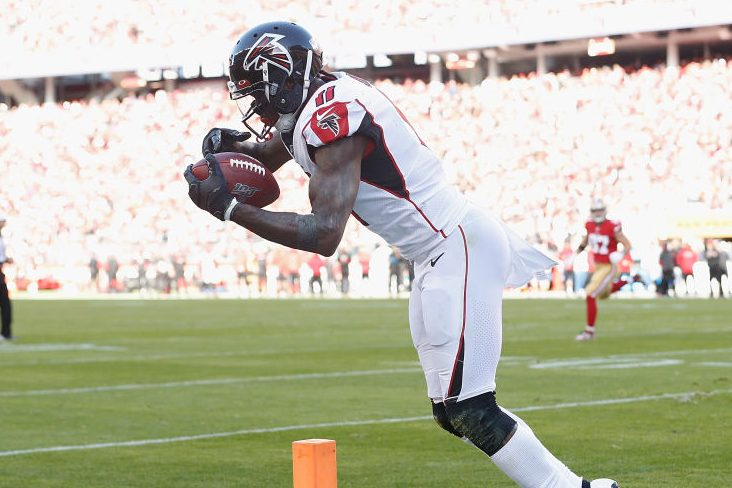 Julio Jones of the Atlanta Falcons makes a catch in the end zone. (Lachlan Cunningham/Getty)