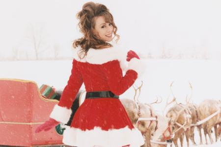 """Mariah Carey's """"All I Want For Christmas Is You"""" Hits No. 1 for the First Time"""
