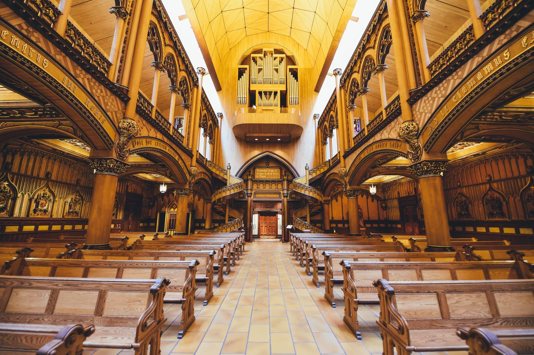 Basilique Notre Dame de Montréal, Montréal, Canada. (Annie Spratt on Unsplash)