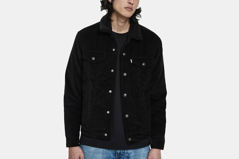 Levi's Men's Type III Sherpa Trucker Jacket in Black