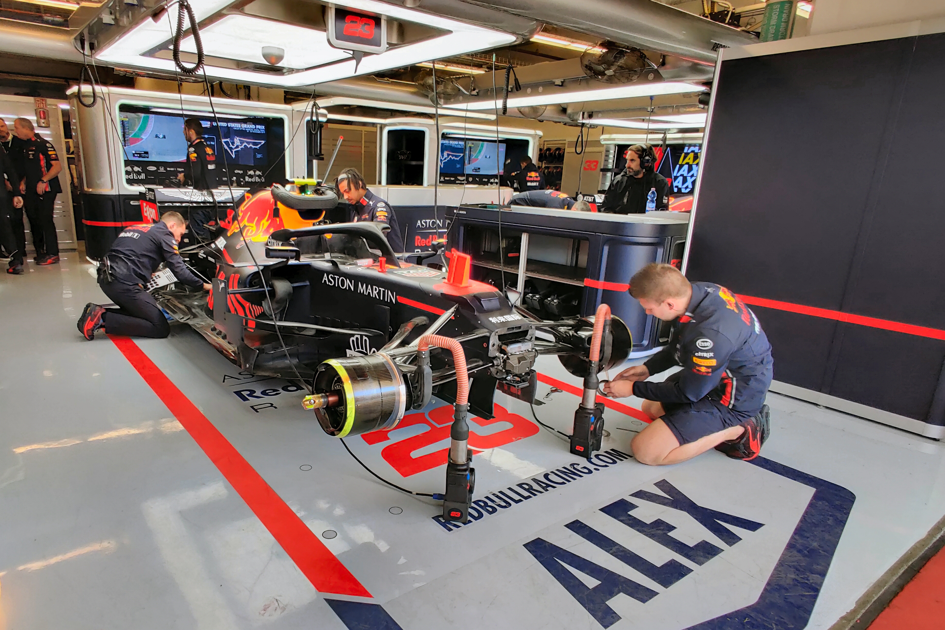 What a Day With a Formula 1 Team Taught Me About Driving - InsideHook