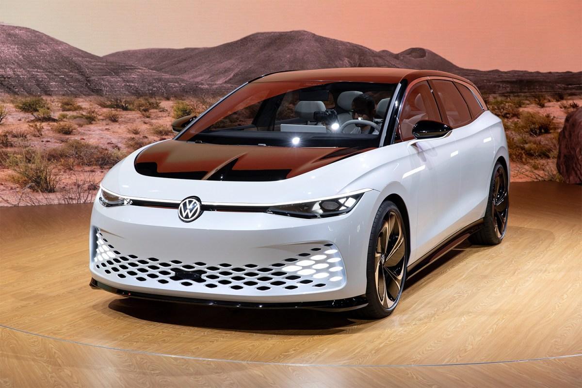 Volkswagen I.D. Space Vizzion concept electric vehicle