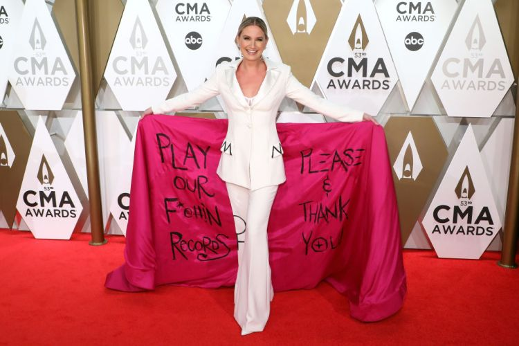 Jennifer Nettles attends the 53nd annual CMA Awards at Bridgestone Arena on November 13, 2019 in Nashville, Tennessee. (Photo by Taylor Hill/Getty Images)