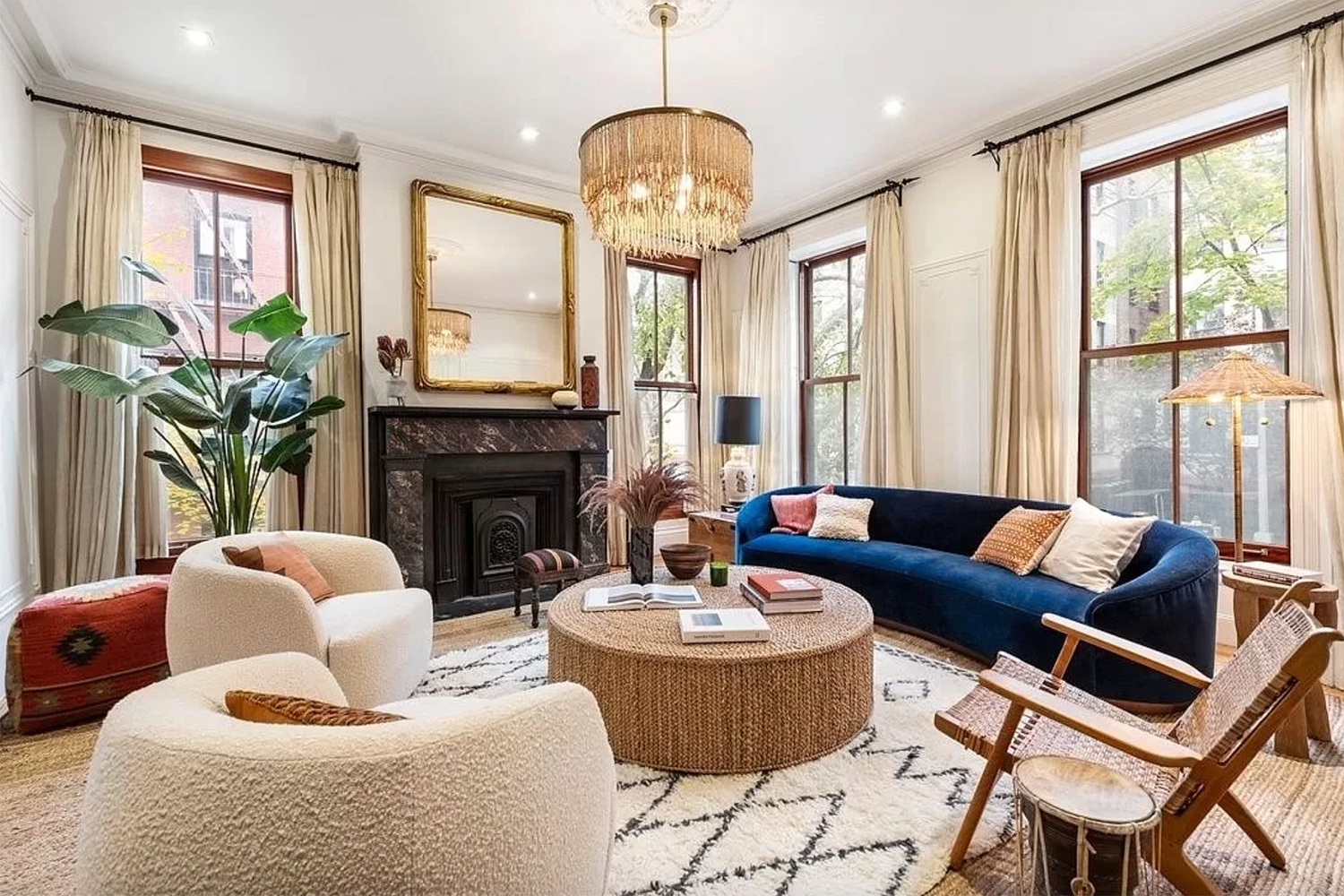 The Best On-the-Market NYC Homes With Hot Tubs and Fireplaces