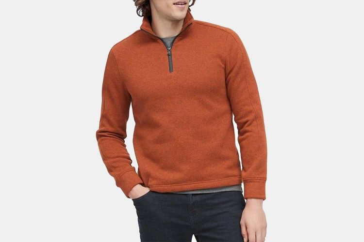 The Polartec® sweater fleece sweatshirt in tandoori spice red