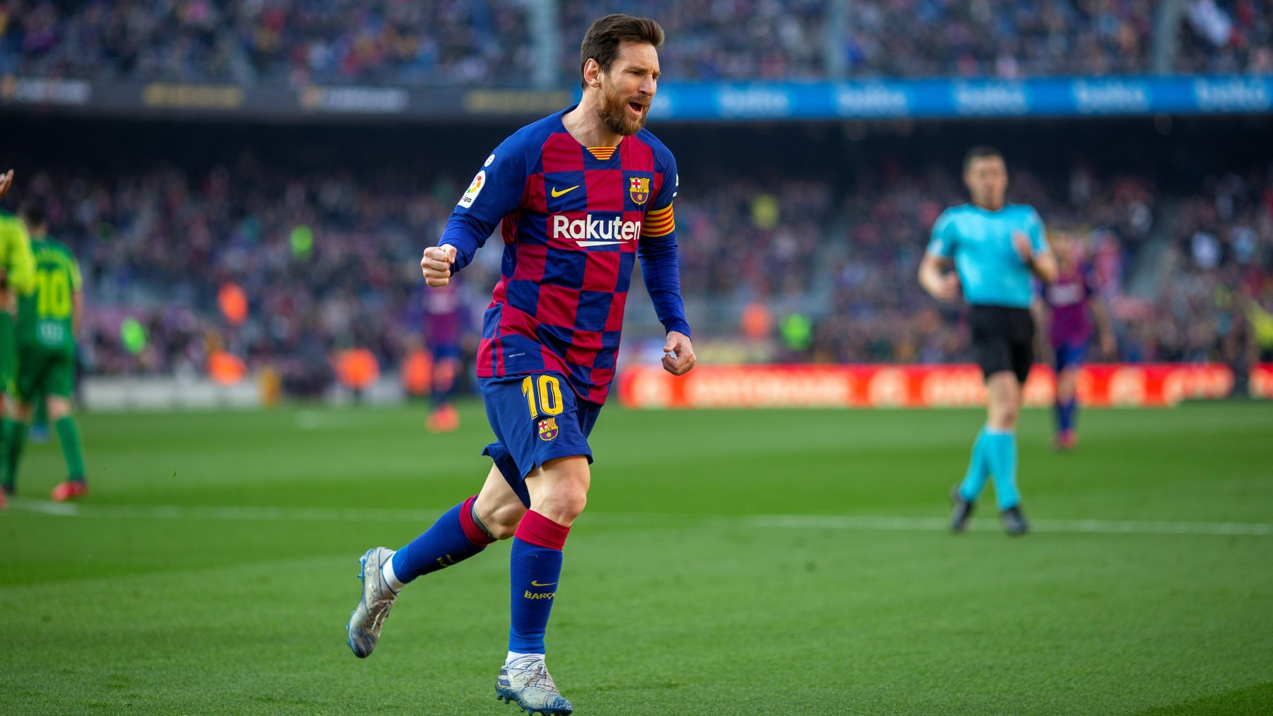 Lionel Messi celebrates goal