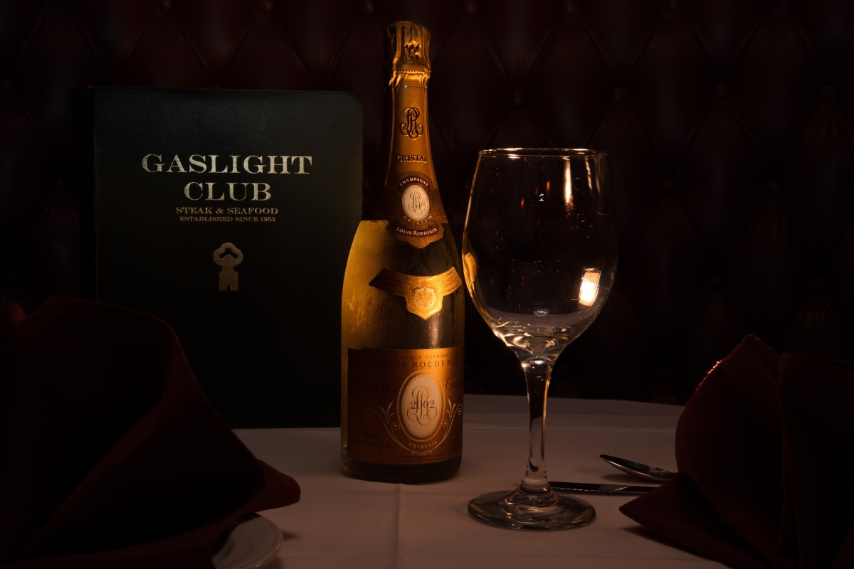A Night at the Secret Airport Steakhouse That Paved the Way for the Playboy Club