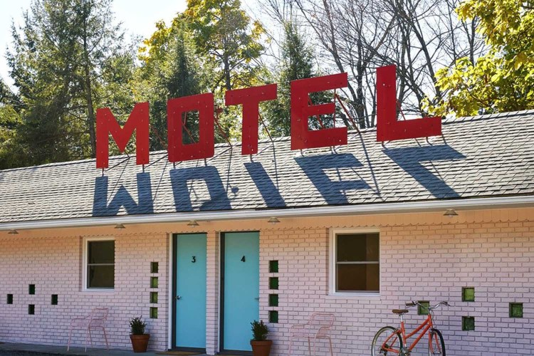 """The Catskills' Newest Motel Is Straight Outta """"Mad Men"""""""