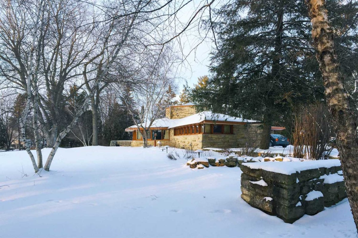 Five Frank Lloyd Wright Homes You Can Rent Near Chicago - InsideHook