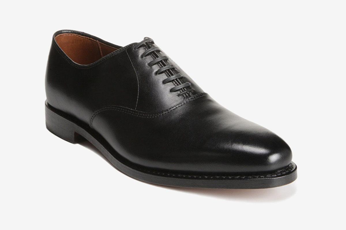 Carlyle Plain-Toe Oxfords